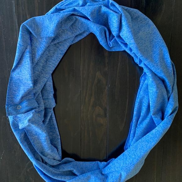 Lululemon Vinyasa travel scarf